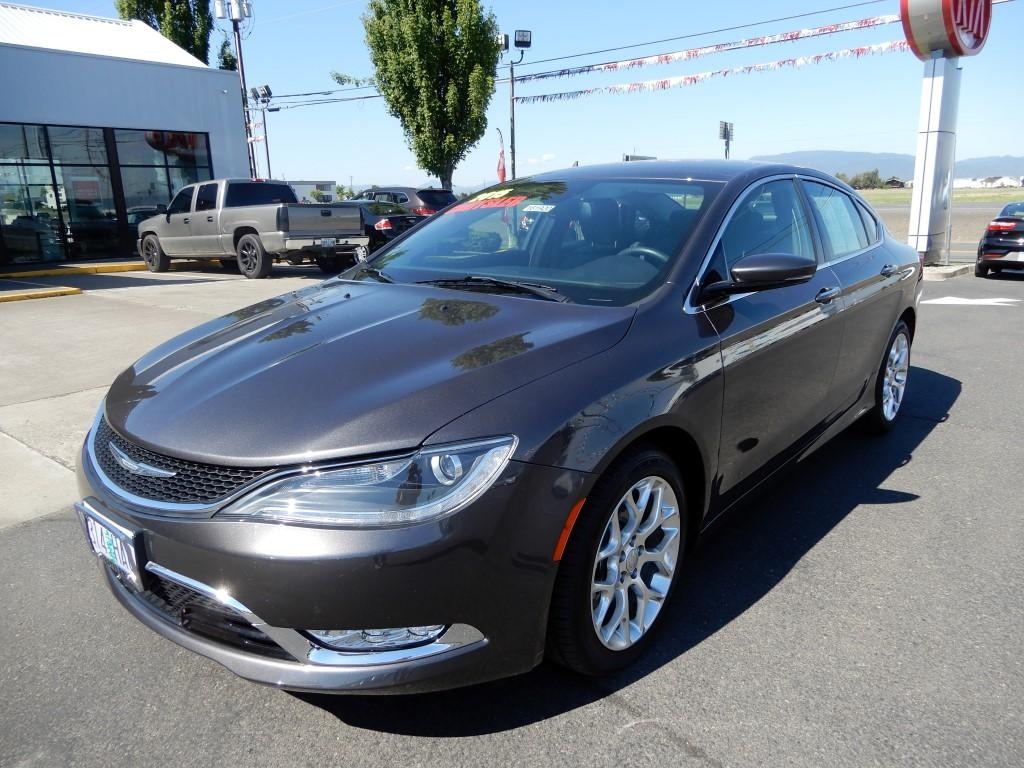 2015 chrysler 200 c review