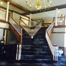 colonial hotel grand bend reviews